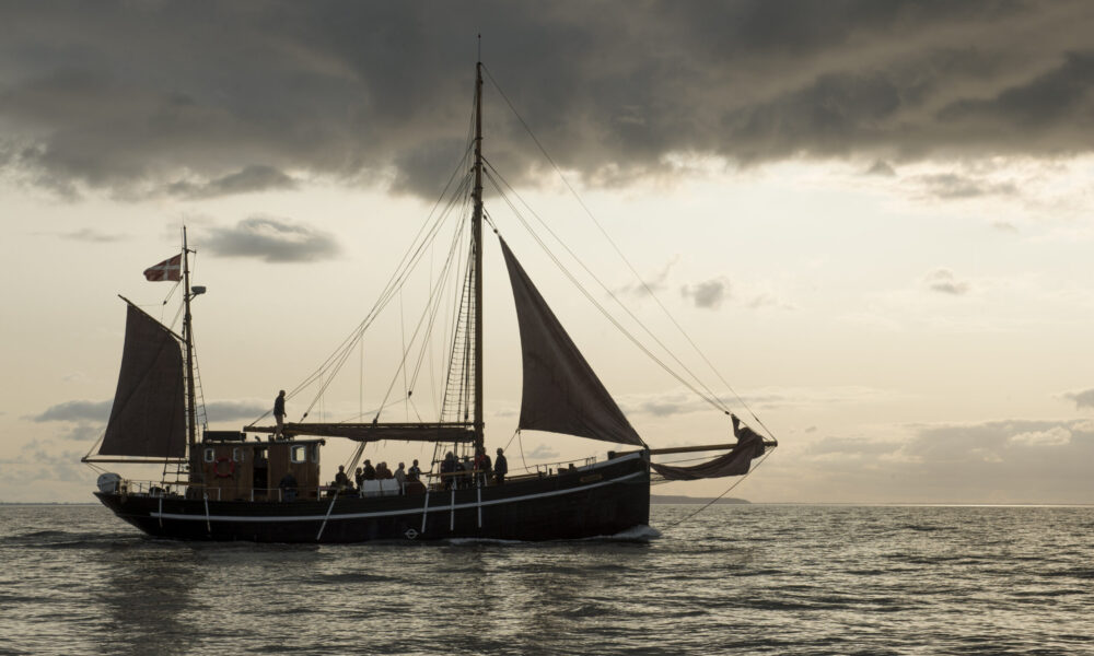 Ash scattering at sea / © Bent Nygaard Larsen