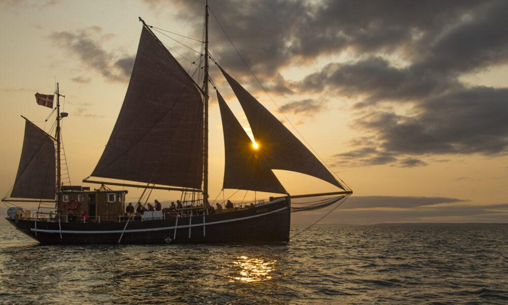 Sunset boat trip at Castor / © Bent Nygaard Larsen